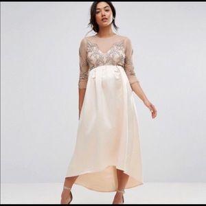 2210b056e2f Women s Maternity Wedding Dress on Poshmark